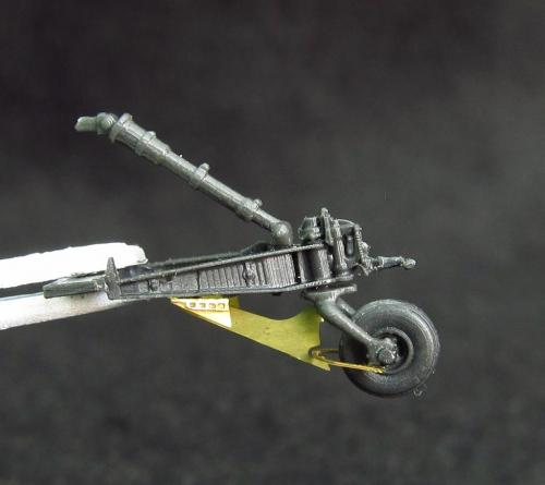 1/72 Hughes AH-64 Longbow Apache tail support